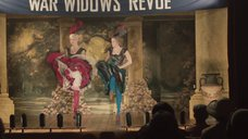 Кимберли Никсон танцует без трусов