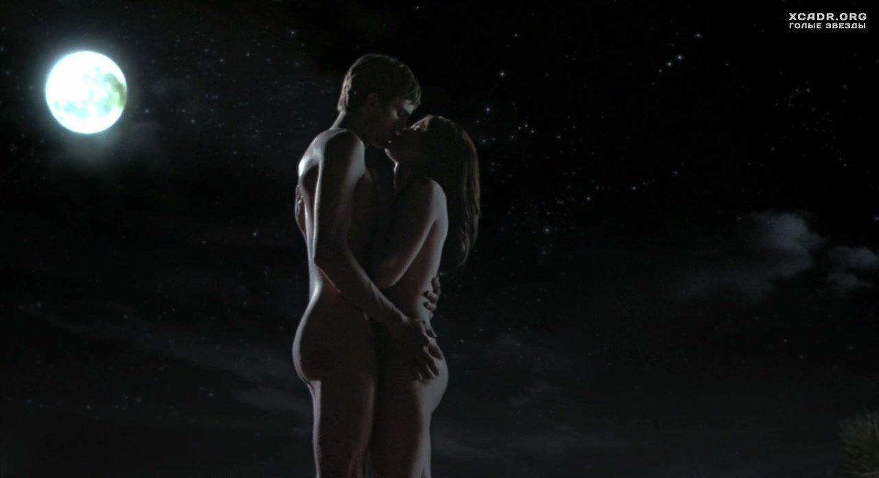 Секс с парнем ночью безбливчиков в одних трусах