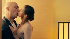 1. Поцелуи груди – Что творят мужчины!