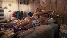 Андреа Андерс в постели