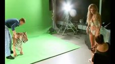 1. Бэкстейдж с фотосета Кристины Асмус для журнала Maxim