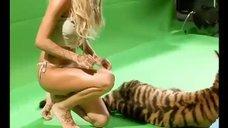 2. Бэкстейдж с фотосета Кристины Асмус для журнала Maxim