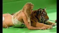3. Бэкстейдж с фотосета Кристины Асмус для журнала Maxim