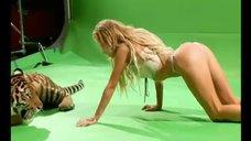 Бэкстейдж с фотосета Кристины Асмус для журнала Maxim