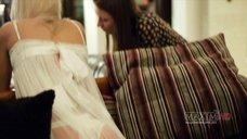 2. Эротическая фотосессия Анны Хилькевич для журнала Maxim