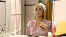 2. Екатерина Климова в тоненьком халате – Весна в декабре
