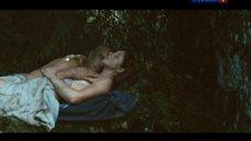 Прикрытая рукой грудь Анны Банщиковой
