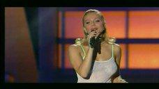 10. группа «Блестящие» на Песне года 2003