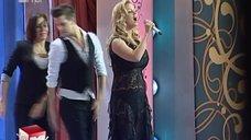 4. Пышногрудая Анна Семенович