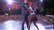 4. Анна Семенович в школьной форме на льду