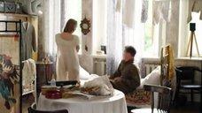 5. Мария Кожевникова в ночной рубашке – Красные горы