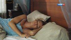 Наталья Бардо в ночной рубашке