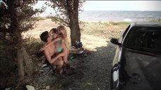 Марина Орлова в голубом купальнике