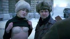 Мария Шукшина задрала свитер