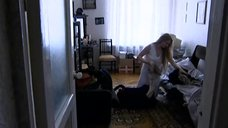 2. Светлана Ходченкова в ночной рубашке – Карусель