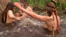 2. Голые девушки купаются – Охотники за иконами