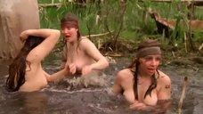 3. Голые девушки купаются – Охотники за иконами