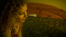 3. Светлана Ходченкова без лифчика – Краткий курс счастливой жизни
