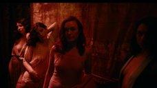 Сцена с проститутками Эсми Гарсиа и Кэти Бут