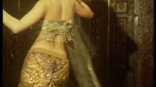 Горячая танцовщица Souad Naoui