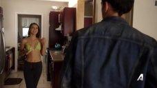 Кэтрин Хьюз в бикини