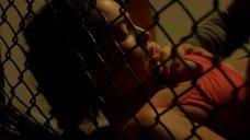 7. Натали Мартинес делают куннилингус на ринге – Королевство