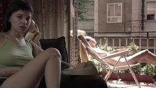1. Полностью голая Диана Суарез принимает душ на балконе – Люсия и секс