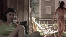 3. Полностью голая Диана Суарез принимает душ на балконе – Люсия и секс
