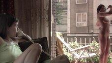5. Полностью голая Диана Суарез принимает душ на балконе – Люсия и секс