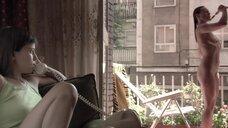 6. Полностью голая Диана Суарез принимает душ на балконе – Люсия и секс