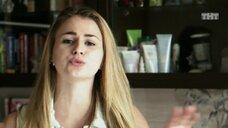 4. Сексуальная Александра Ахромеева читает рэп – Легко ли быть молодым?