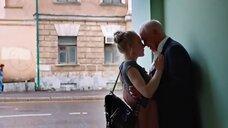 5. Поцелуй с Аленой Михайловой – Люби их всех