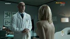 Мэгги Сивантос топлес на осмотре у доктора
