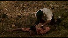 Сцена изнасилования Джудит Диакате в лесу