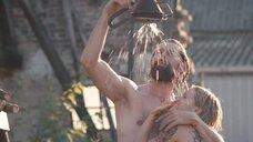 1. Совместный душ с Верле Батенс на улице – Разомкнутый круг