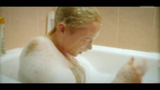 5. Анастасия Талызина в прямом эфире с ванны – Патриот