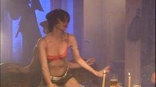 4. Стриптизерша в бане – Солдаты
