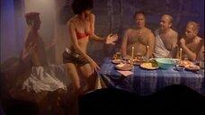 6. Стриптизерша в бане – Солдаты