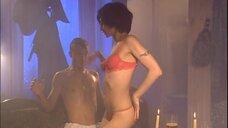 9. Стриптизерша в бане – Солдаты