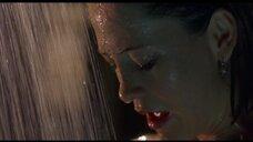 6. Келли Роуэн в душе – Кэндимэн 2: Прощание с плотью