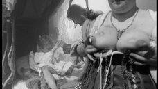 4. Лысая женщина с голой грудью – Трудно быть богом (2013)
