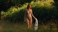 Полностью голая Криста Тере позирует для художника