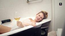 Александра Ребенок в ванной