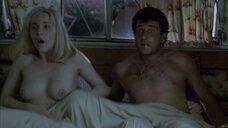 Клаудине Вильде засветила голую грудь