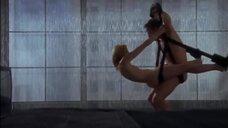 Секс с Ким Кэтролл на качели