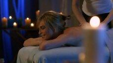 3. Молли Симс на массаже – Лас Вегас