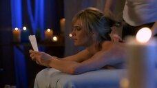4. Молли Симс на массаже – Лас Вегас