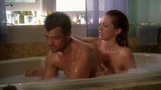 5. Эро сцена с Никки Кокс в ванне – Лас Вегас