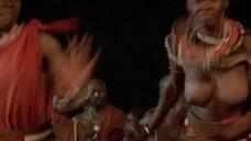 1. Танец женщины топлес из племени – Шина – королева джунглей