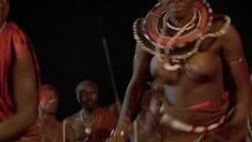 2. Танец женщины топлес из племени – Шина – королева джунглей